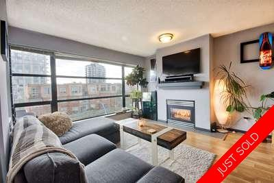 Lower Lonsdale Condo for sale:  1 bedroom 695 sq.ft. (Listed 2018-04-20)