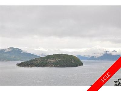 Howe Sound Duplex for sale:  3 bedroom 2,250 sq.ft. (Listed 2013-04-10)