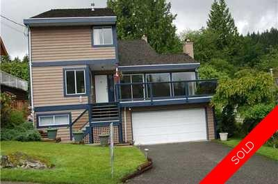 Deep Cove Apartment for sale:  3 bedroom 3,523 sq.ft. (Listed 2010-11-25)